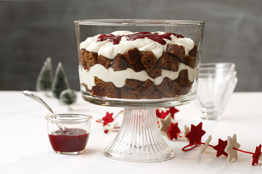 Gingerbread Trifle with Lemon Curd and Raspberry Sauce