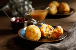 Thanksgiving-Mashed-Potato-Stuffing-Balls