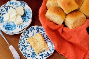 Easy dinner rolls made with Idahoan mashed potatoes.