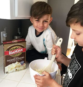 Prepare the Idahoan mashed potatoes per package directions for Mashed Potato Play Dough.